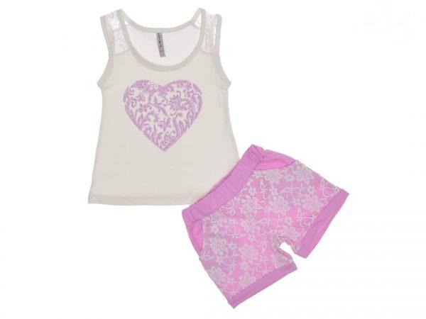 Комплект бял потник с дантела на презрамките и щампа на сърце с блестящи мотиви, лилави къси панталони с бяла дантела в предната част и джобове