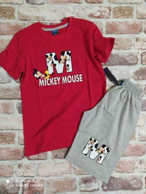 Летен комплект - тениска в червено със щампа Мики Маус и надпис втъкани в текстила и сиви къси панталони.