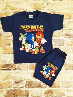 Летен комплект в цвят индиго, състоящ се от тениска и къси панталони със Соник