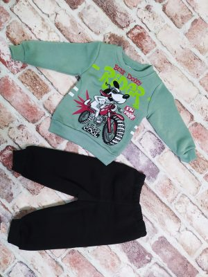 Ватиран комплект момче зелена блуза с куче и черно долнище