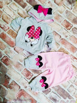 Комплект момиче сива блузка с качулка и панделка и розово долнище с панделки