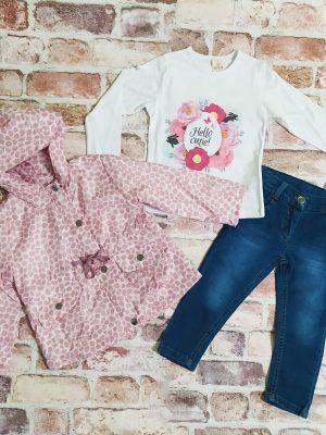 Комплект момиче Яке с качулка, бяла блуза с цветя и сини дънки