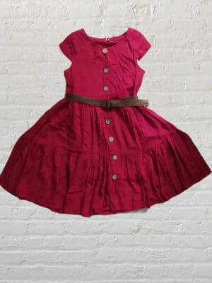 Червена рокля с колан