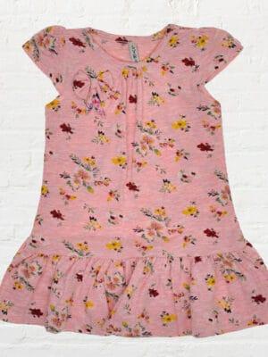 Розова рокля на цветя с панделка